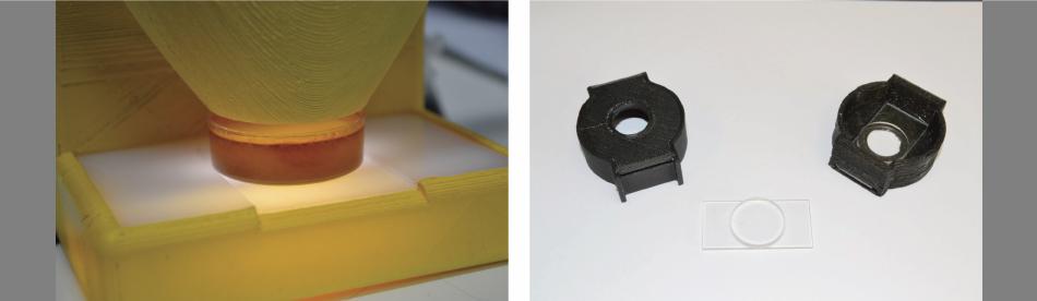 A sinistra: capsula col campione di miele nella posizione di misura. A destra: vetrino e copricapsula di misura.